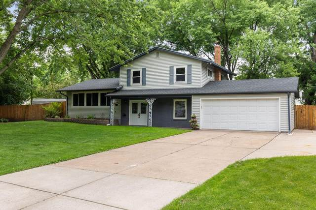 2201 Sierra Drive, White Bear Lake, MN 55110 (#5618826) :: The Janetkhan Group