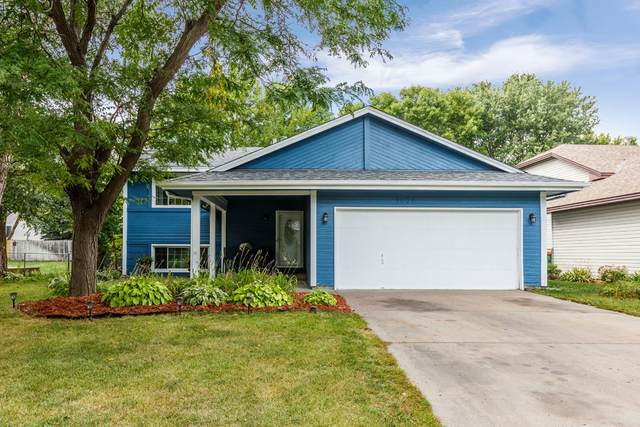 9802 Larch Street NW, Coon Rapids, MN 55433 (#5619630) :: Servion Realty