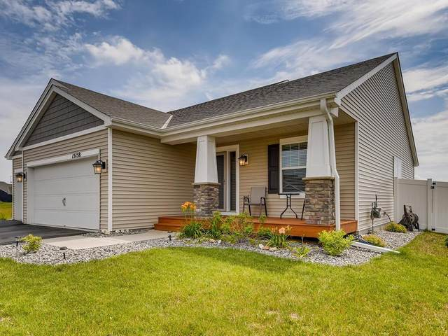 15158 Emory Circle, Apple Valley, MN 55124 (#5620115) :: Servion Realty