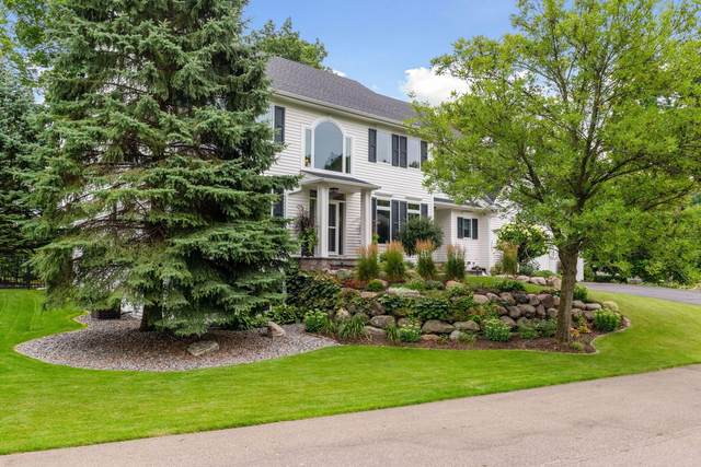 2342 Hunter Drive, Chanhassen, MN 55317 (#5637592) :: Tony Farah | Coldwell Banker Realty