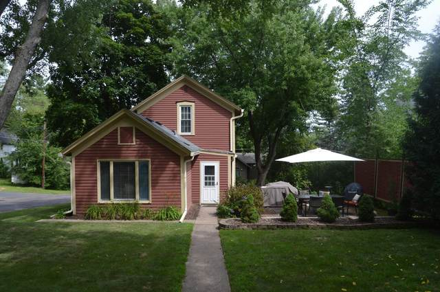1124 3rd Street N, Stillwater, MN 55082 (#5638728) :: Tony Farah | Coldwell Banker Realty