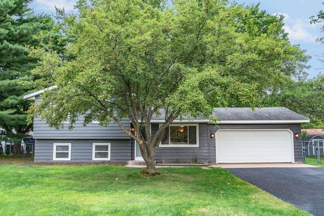 5481 Fisher Street, White Bear Twp, MN 55110 (#5638865) :: Tony Farah | Coldwell Banker Realty
