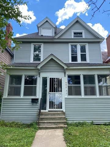 992 Iglehart Avenue, Saint Paul, MN 55104 (#5640256) :: The Preferred Home Team