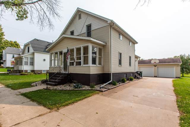 230 E 5th Street, Saint Charles, MN 55972 (#5658516) :: The Preferred Home Team