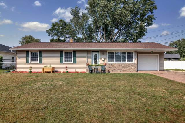 1004 E Grant Avenue, Eau Claire, WI 54701 (MLS #5659343) :: The Hergenrother Realty Group