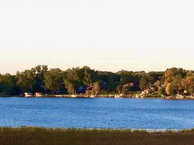 1304 W Medicine Lake Drive #303, Plymouth, MN 55441 (#5660115) :: The Preferred Home Team