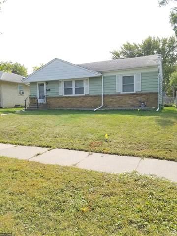 1558 Montana Avenue E, Saint Paul, MN 55106 (#5661696) :: The Preferred Home Team