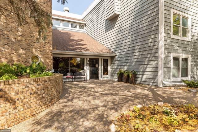 3000 Saint Albans Mill Road #304, Minnetonka, MN 55305 (#5663339) :: The Pietig Properties Group