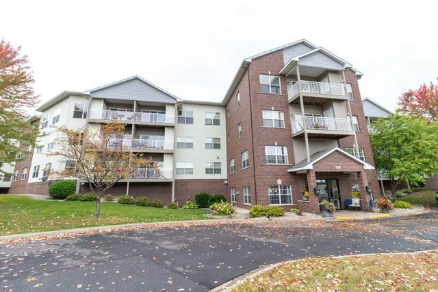 2231 Penn Place #220, North Saint Paul, MN 55109 (#5665927) :: Bre Berry & Company