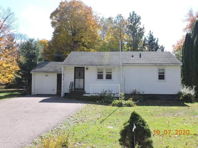 419 Maple Street, Taylors Falls, MN 55084 (#5671548) :: Servion Realty