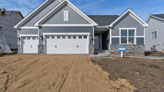 12880 Amiens Avenue, Rosemount, MN 55068 (#5672764) :: The Preferred Home Team