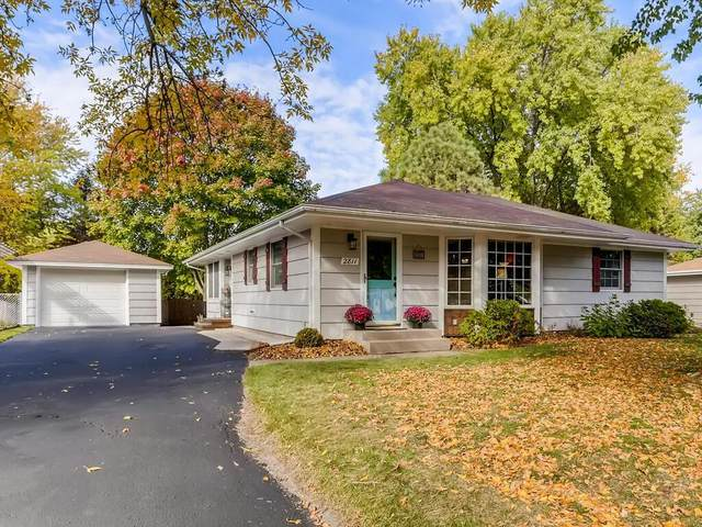 2811 Griggs Street N, Roseville, MN 55113 (#5673899) :: Happy Clients Realty Advisors