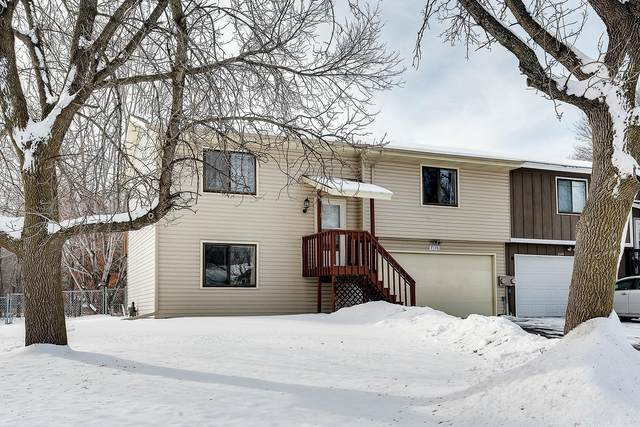 2136 109th Avenue NW, Coon Rapids, MN 55433 (#5675682) :: The Pomerleau Team