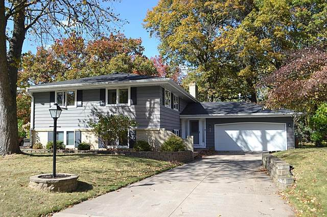 2432 Queens Drive, Woodbury, MN 55125 (#5677712) :: The Preferred Home Team