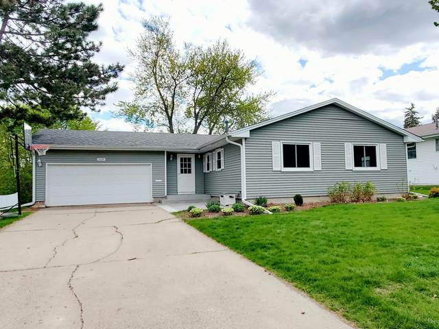 3325 W 87th Street, Bloomington, MN 55431 (#5679657) :: Happy Clients Realty Advisors