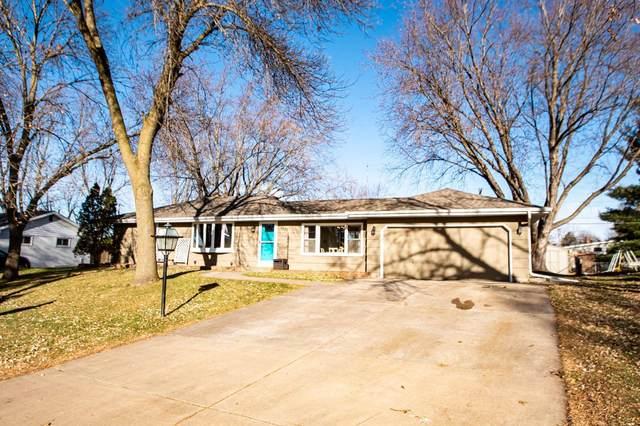 3572 Emerald Drive, White Bear Lake, MN 55110 (#5683586) :: Servion Realty