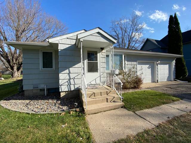 445 Larch Avenue, Owatonna, MN 55060 (#5683725) :: Tony Farah   Coldwell Banker Realty