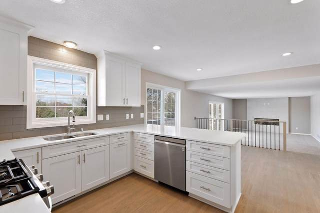 1703 Colby Lake Drive, Woodbury, MN 55125 (#5688800) :: The Smith Team