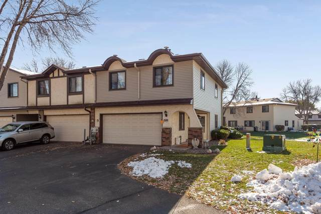 8711 Maplebrook Parkway N, Brooklyn Park, MN 55445 (#5689303) :: Tony Farah | Coldwell Banker Realty