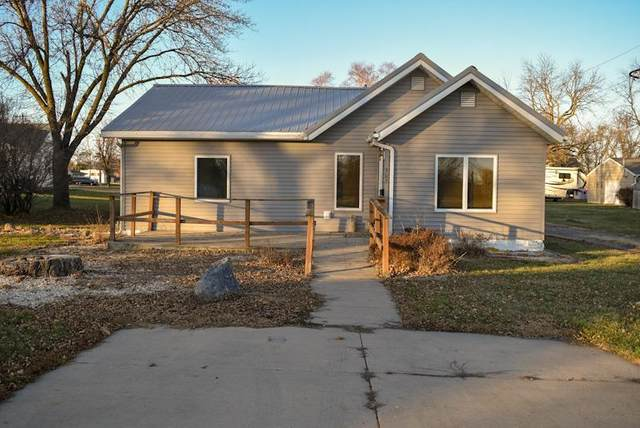 302 James Street, Sherburn, MN 56171 (#5689358) :: The Pietig Properties Group