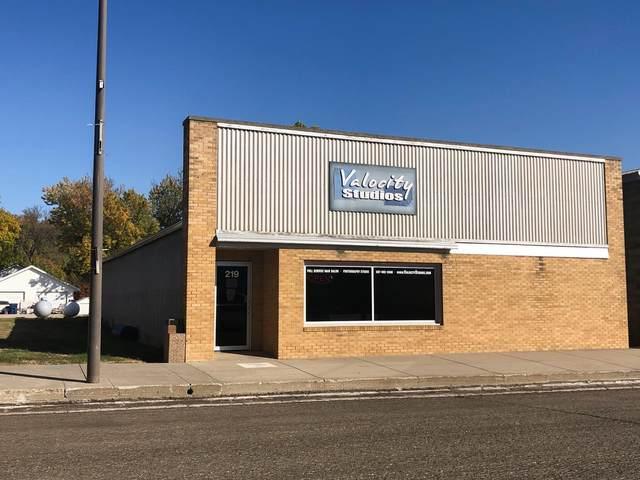 219 S Main Avenue, Hills, MN 56138 (MLS #5689415) :: RE/MAX Signature Properties
