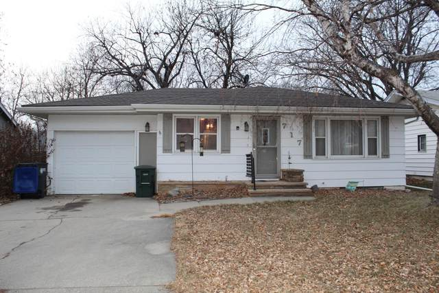 717 N Blue Mound Avenue, Luverne, MN 56156 (#5694015) :: Tony Farah | Coldwell Banker Realty