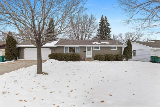 8650 Poplar Bridge Curve, Bloomington, MN 55437 (#5703066) :: The Janetkhan Group