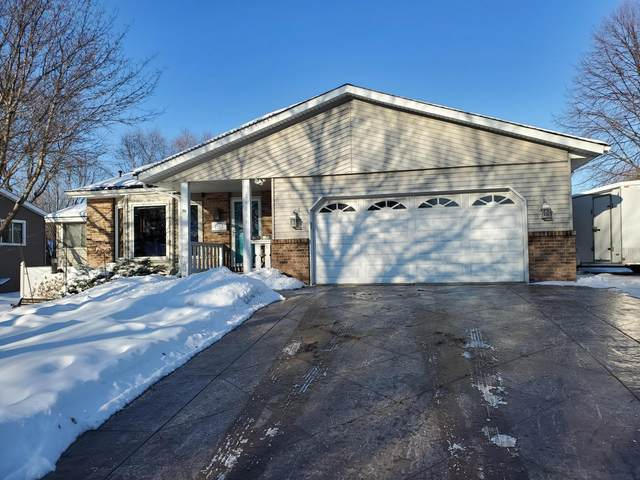 14334 Embry Path, Apple Valley, MN 55124 (#5704425) :: Lakes Country Realty LLC