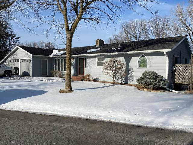 111 Crestview Drive, Redwood Falls, MN 56283 (#5709358) :: The Janetkhan Group