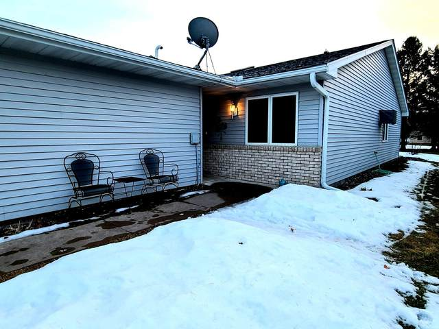 122 Belmont Street, Osceola, WI 54020 (#5722807) :: Lakes Country Realty LLC