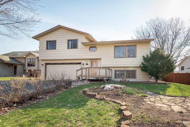 13721 Yosemite Avenue S, Savage, MN 55378 (#5732832) :: Tony Farah | Coldwell Banker Realty