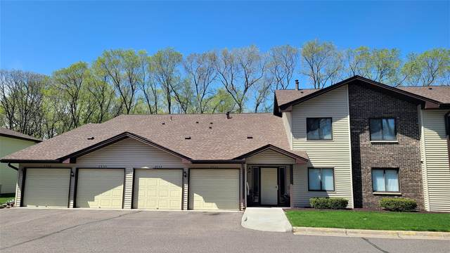 2932 Mounds View Boulevard NE #14, Mounds View, MN 55112 (#5733004) :: Tony Farah   Coldwell Banker Realty