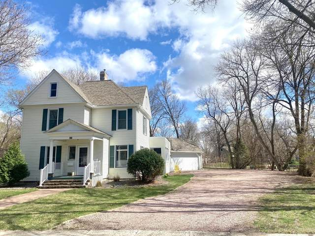 404 N 4th Street, Marshall, MN 56258 (#5738885) :: The Odd Couple Team