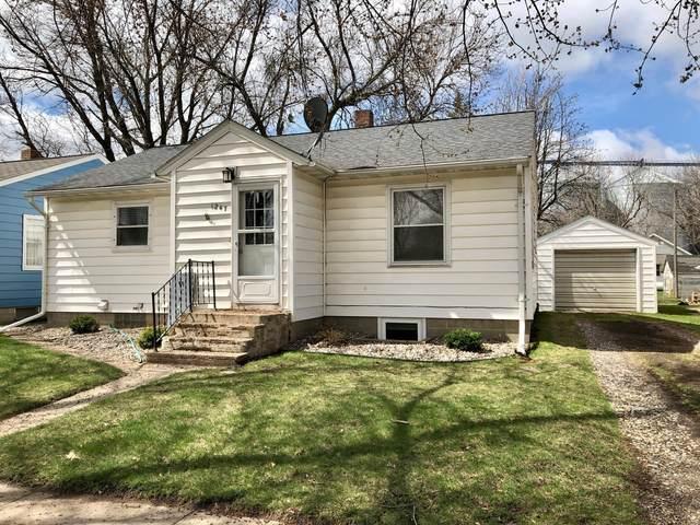 1247 Oak Street, Wabasso, MN 56293 (#5739312) :: Straka Real Estate