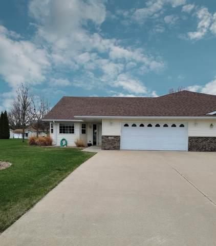 318 5th Circle SW, Blooming Prairie, MN 55917 (#5741664) :: Carol Nelson   Edina Realty
