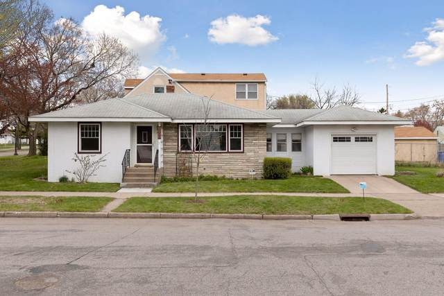 1085 Seminary Avenue, Saint Paul, MN 55104 (#5744544) :: Twin Cities South