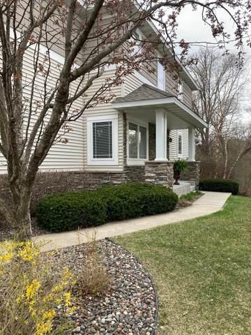 15847 Porchlight Lane, Eden Prairie, MN 55347 (#5744624) :: Tony Farah | Coldwell Banker Realty