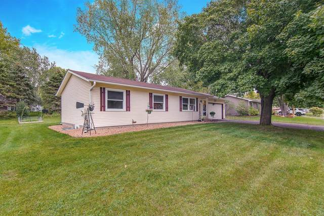 15310 Dresden Trail, Apple Valley, MN 55124 (#5746657) :: The Janetkhan Group