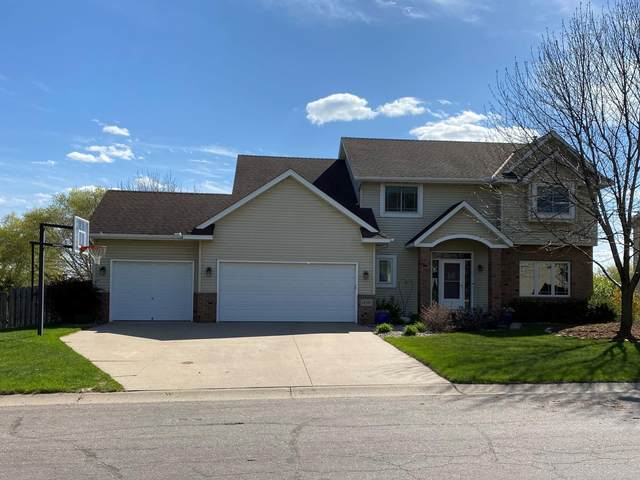 14105 Flintwood Way, Apple Valley, MN 55124 (#5748706) :: The Janetkhan Group