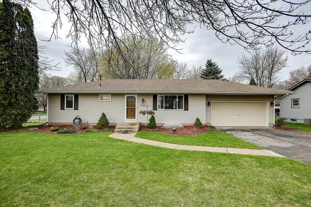 16399 Flagstaff Avenue W, Lakeville, MN 55068 (#5750037) :: The Janetkhan Group