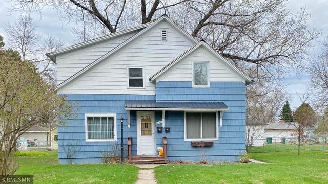 830 2nd Avenue, Grand Rapids, MN 55744 (#5750818) :: The Michael Kaslow Team
