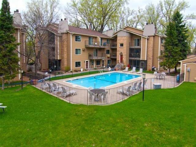 2030 Ridge Drive #15, Saint Louis Park, MN 55416 (#5753618) :: The Janetkhan Group