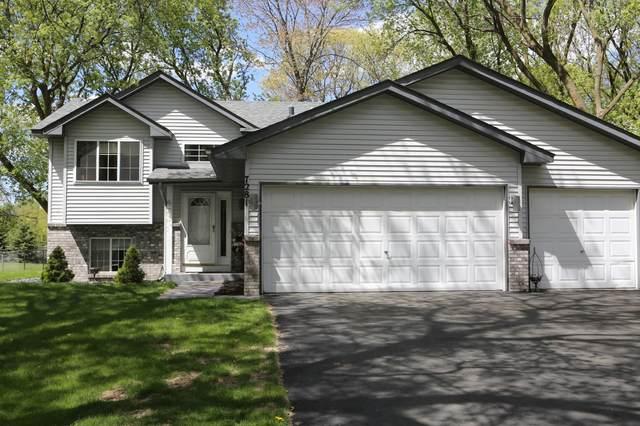 7281 Meadow Court, Lino Lakes, MN 55014 (#5756855) :: Tony Farah | Coldwell Banker Realty