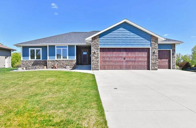2563 Stony Creek Drive, Owatonna, MN 55060 (#5757434) :: Bos Realty Group