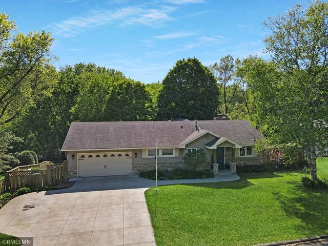2414 Cedarwood Ridge, Minnetonka, MN 55305 (#5759696) :: The Preferred Home Team