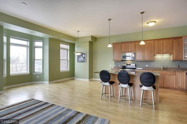 301 Clifton Avenue 2G, Minneapolis, MN 55403 (#5761921) :: The Duddingston Group