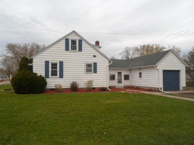 925 S Prairie Street, Lake City, MN 55041 (#5762390) :: Straka Real Estate