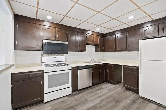 8928 Neill Lake Road #101, Eden Prairie, MN 55347 (#5765170) :: Tony Farah | Coldwell Banker Realty
