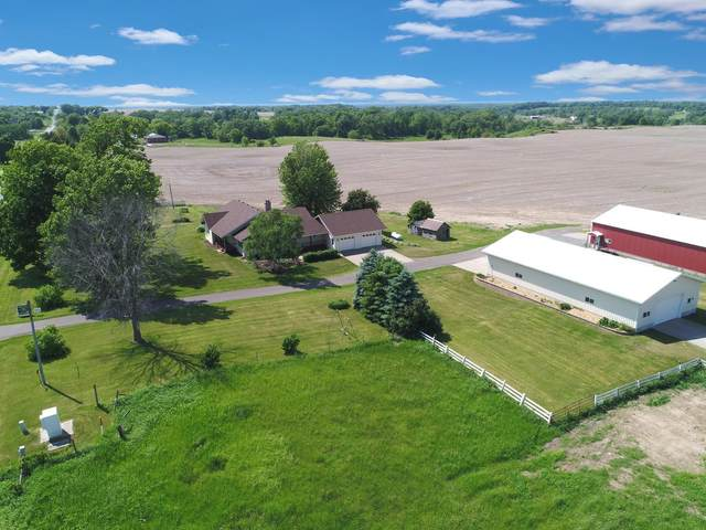 2565 250th Avenue, Sterling Twp, WI 54006 (#6005166) :: The Michael Kaslow Team