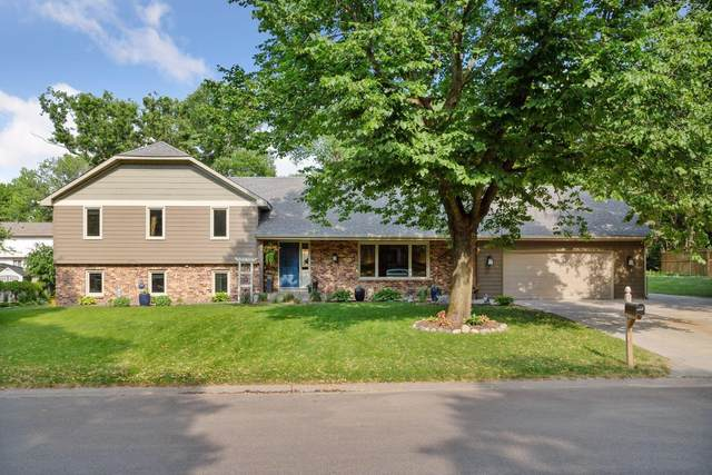 2680 Holly Lane N, Plymouth, MN 55447 (#6008245) :: Tony Farah   Coldwell Banker Realty